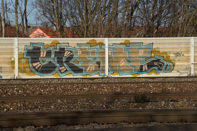 STGT-00735