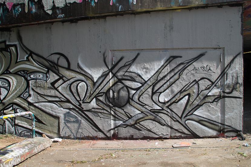 STGT-BLND009