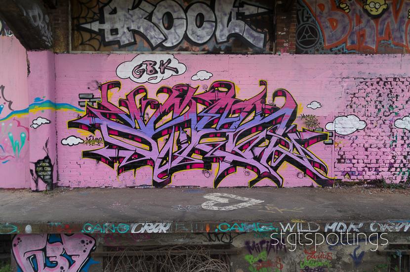 STGT-CRACK010